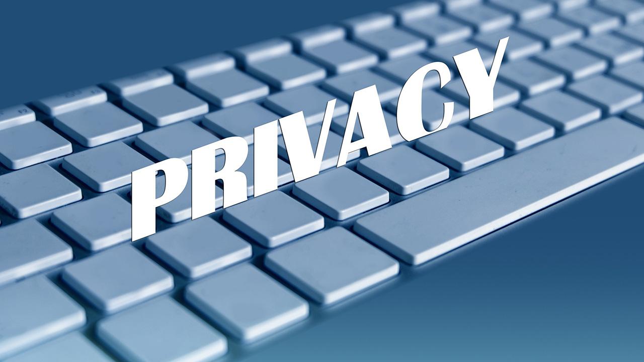 加强青少年的隐私和安全
